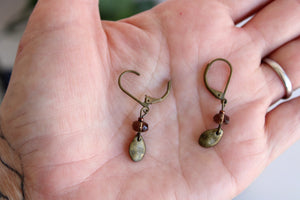 Vintage 1990s Brown Bead Dangle Earrings