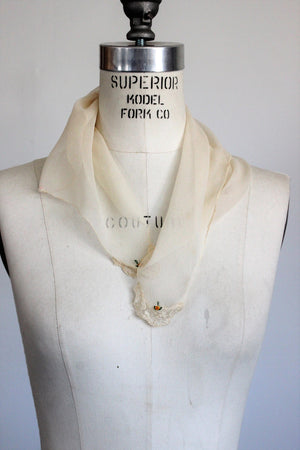 Vintage 1930s 1940s Ivory Scarf With Lace Trim