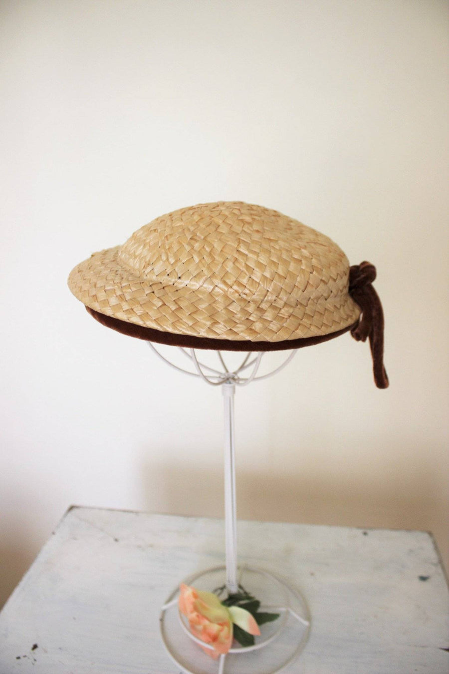 Vintage 1950s Bullock's Los Angeles Straw Hat, Brown Velvet Ribbon Trim