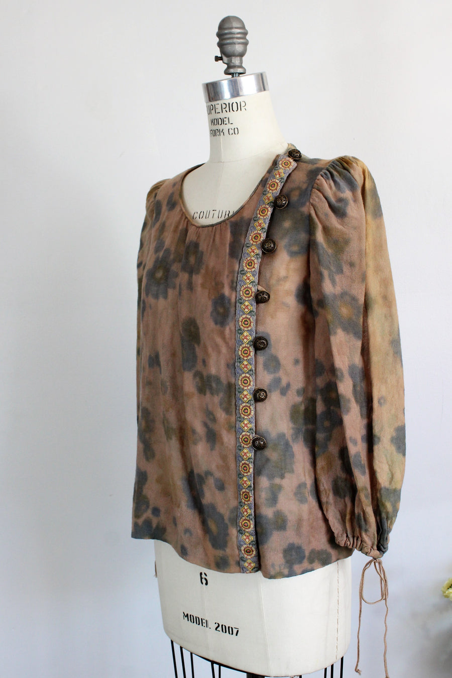Vintage 1950s Hollywood Costume Floral Blouse With Buttons