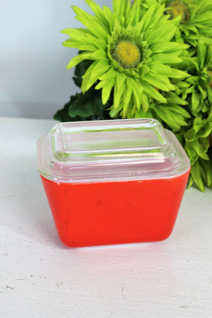 Pyrex Red #501 Refrigerator Dish With Clear Glass Lid