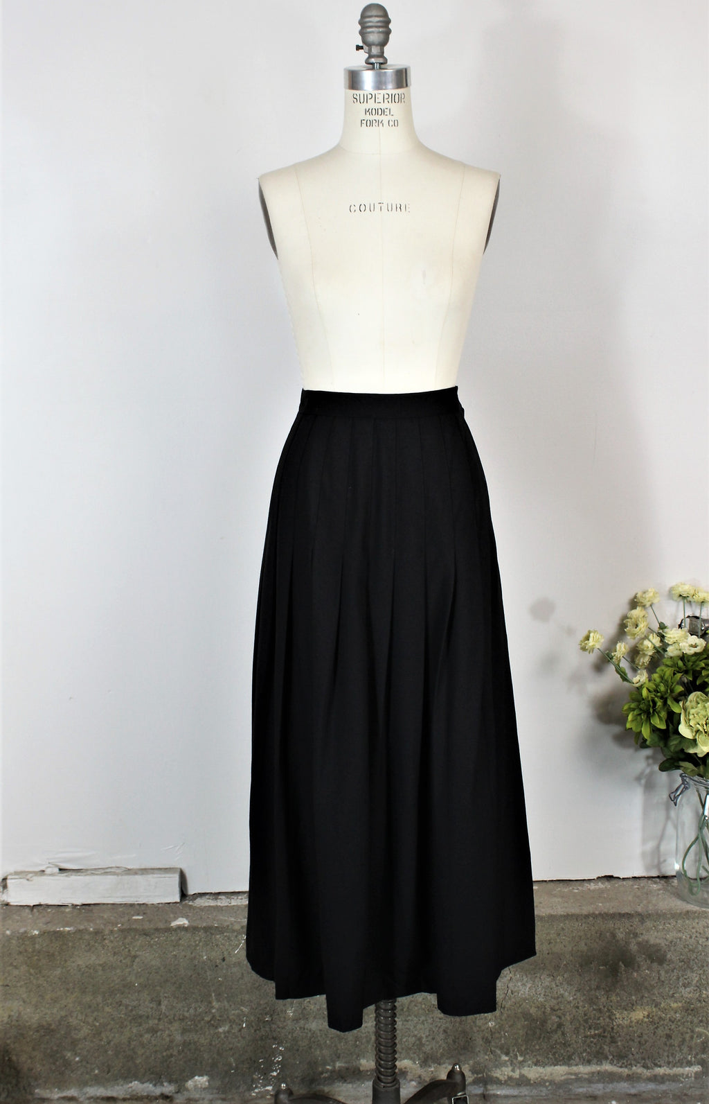 Vintage 1990s Black Pleated Maxi Skirt by Enrico Fratelli