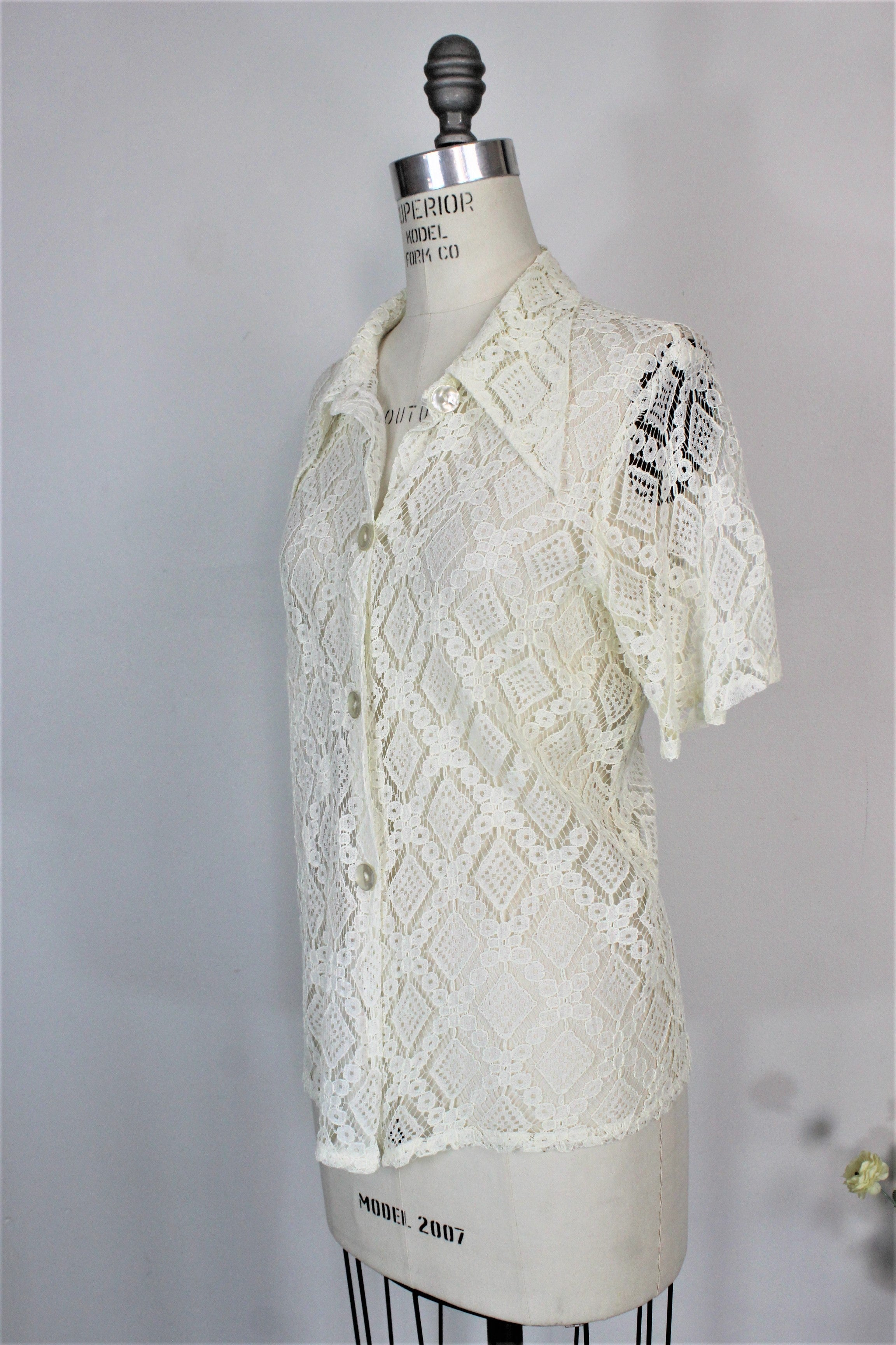 Vintage 1970s White Lace Blouse With Short Sleeves