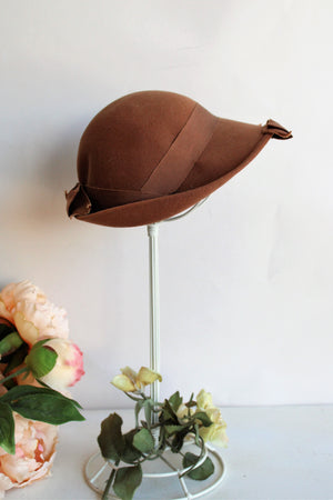 Vintage 1930s Brown Wool Felt Cloche by Merrimac