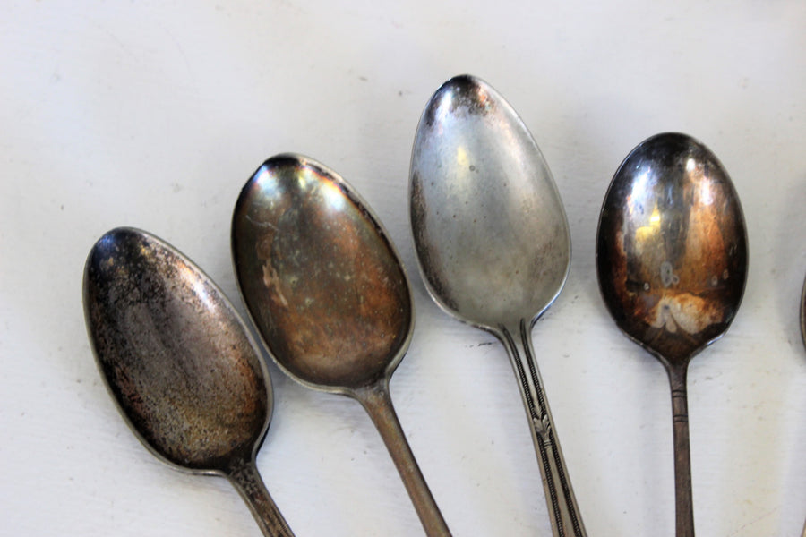 Vintage 1900s Silver Plate Spoon Set