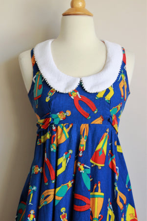 Vintage 1970s Petite Novelty Print Dress with Peter Pan Collar