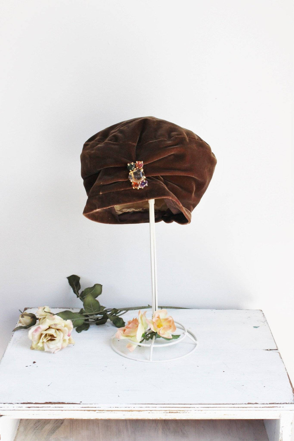 Vintage 1960s Brown Velvet Turban Hat