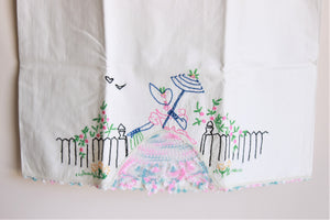 Vintage 1950s Set of Embroidered Pillowcases