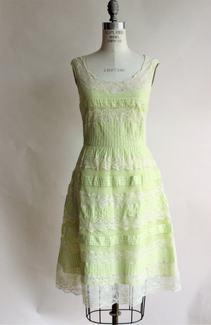 Lithe ( Anthropologie) in green with lace trim, Size 8