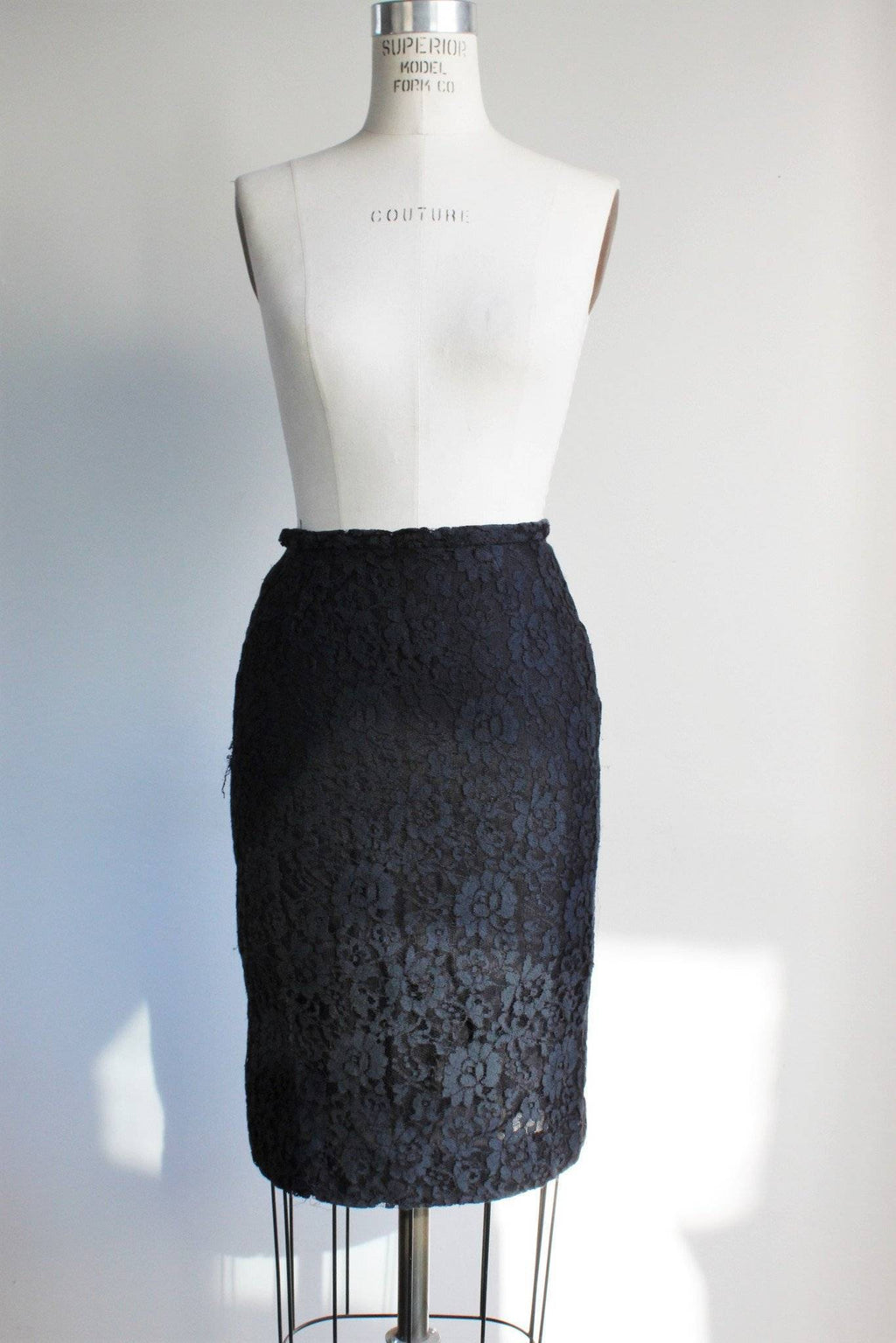 CLEARANCE: Vintage 1950s Black Lace Pencil Skirt