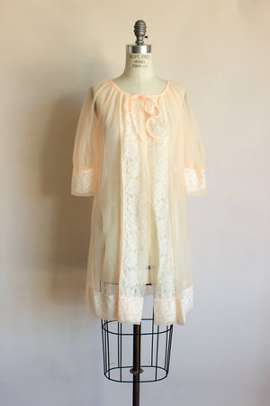 Vintage 1960s Peach Sheer Peignoir With Lace Trim
