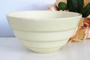 Vintage 1940s Bauer Bowl 18 Yellow Ringware