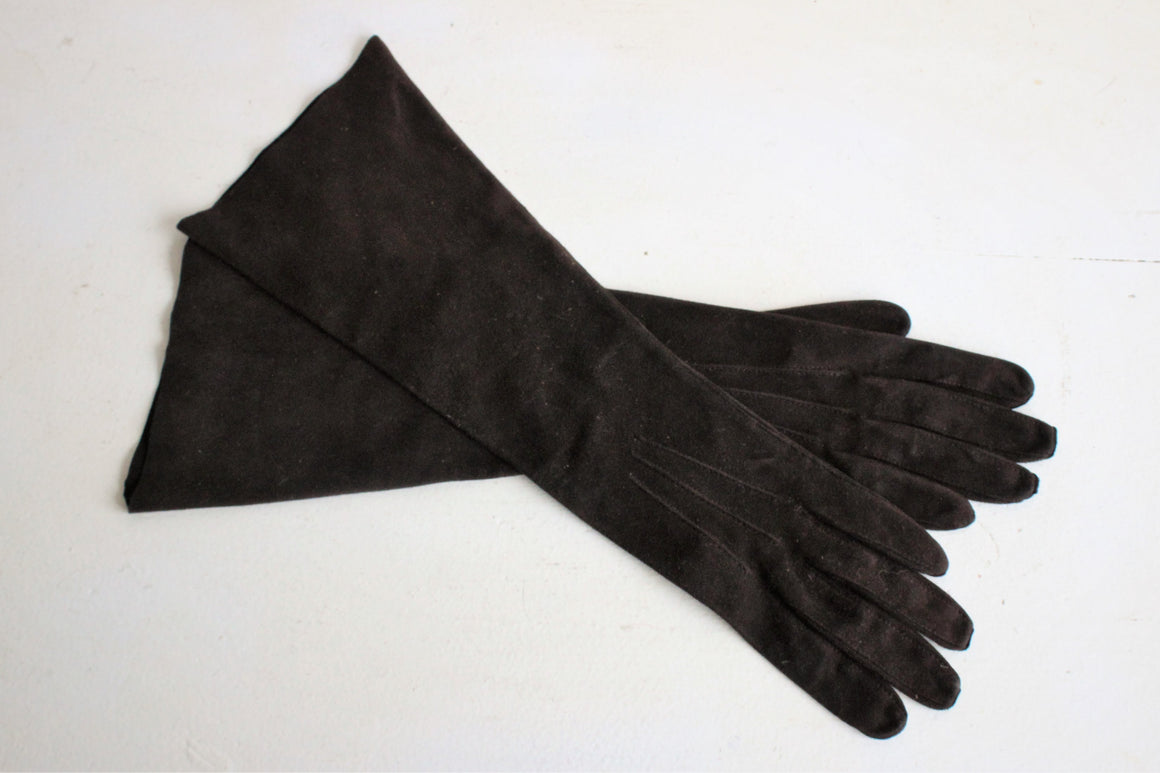 Vintage 1950s 1960s Brown Suede Gloves by Aris Four Hundred