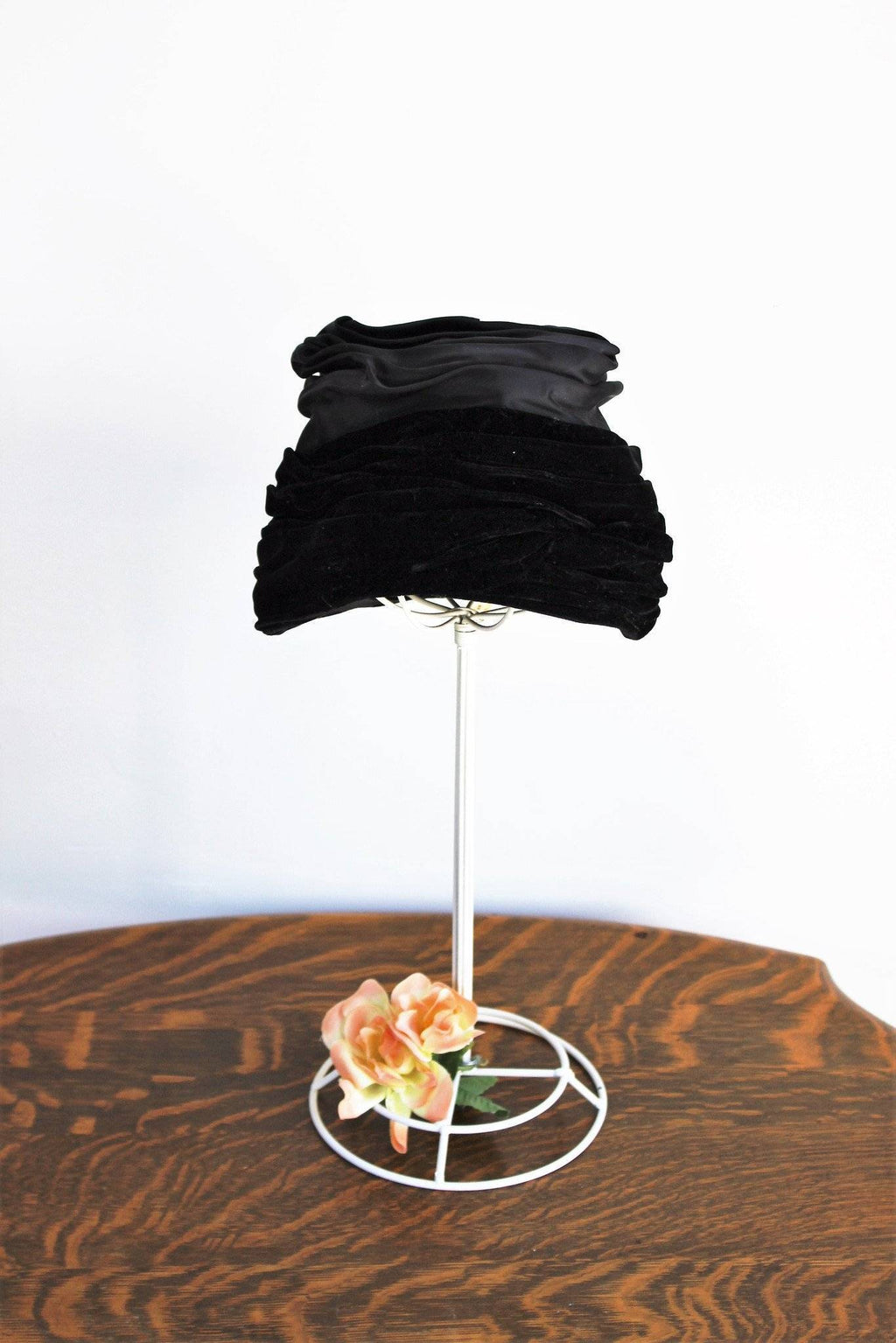 Vintage 1950s Black Velvet Turban Hat