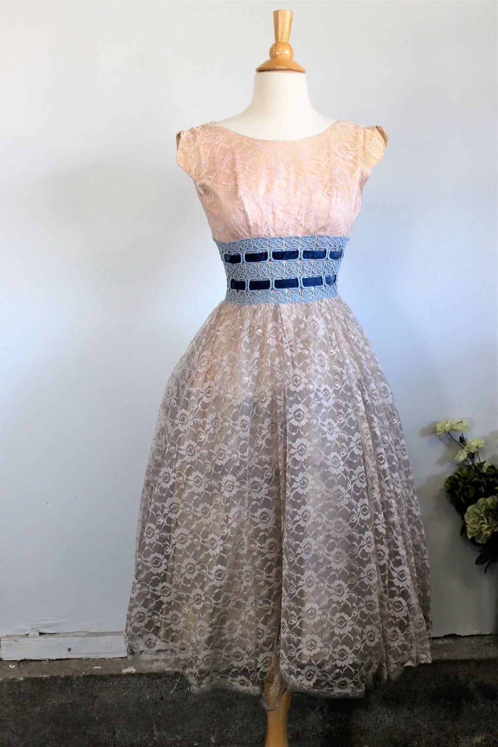 Vintage 1950s Lace Party Dress Fit And Flare