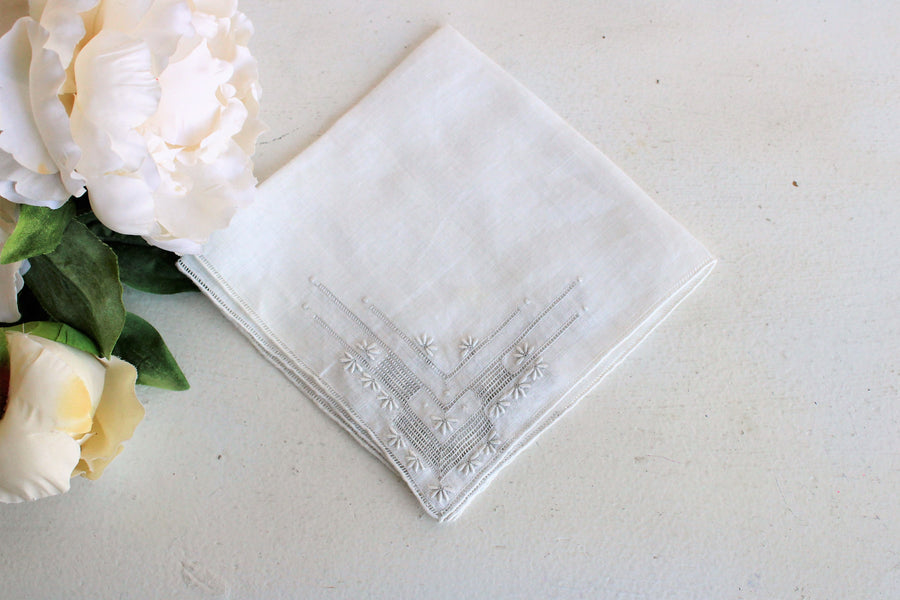 Vintage 1930s 1940s White Linen Embroidered Handkerchief