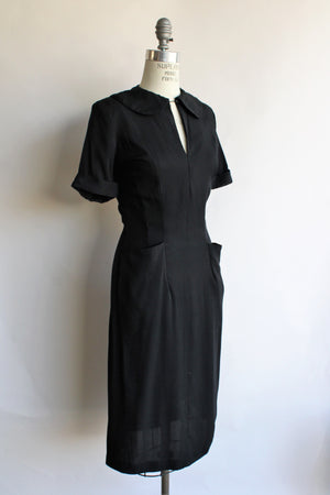 Vintage 1940s Rayon Crepe Dress with Pockets, Keyhole Neck and Peter Pan Collar