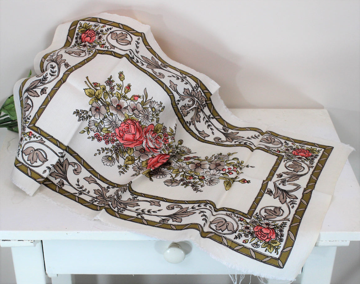Vintage 1950s Table Runner With Floral Print in White Barkcloth