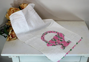 Vintage 1980s Cannon Terrycloth Hand Towel With Crochet Flower Basket Pocket in Pink And Green