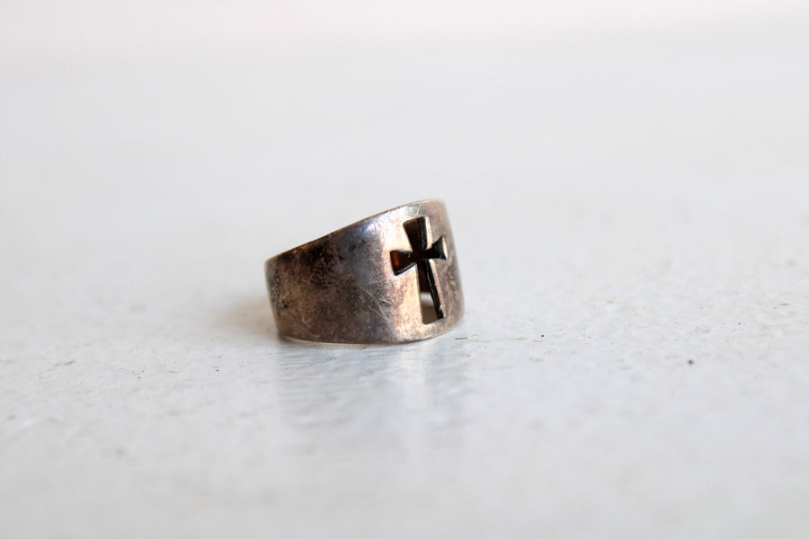 Vintage 1990s Cross Ring in Sterling Silver