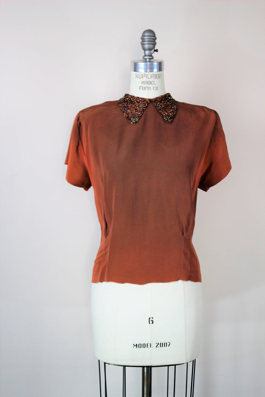 Vintage 1940s Ilene Brown Rayon Top with Beaded Collar