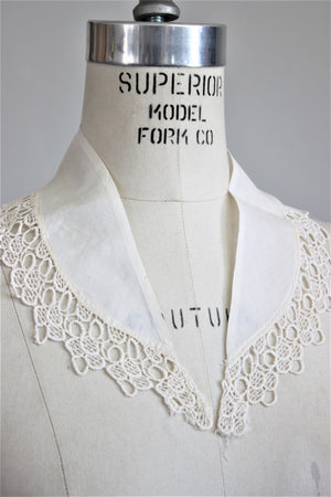 Vintage 1940s 1950s Collar / White Ivory