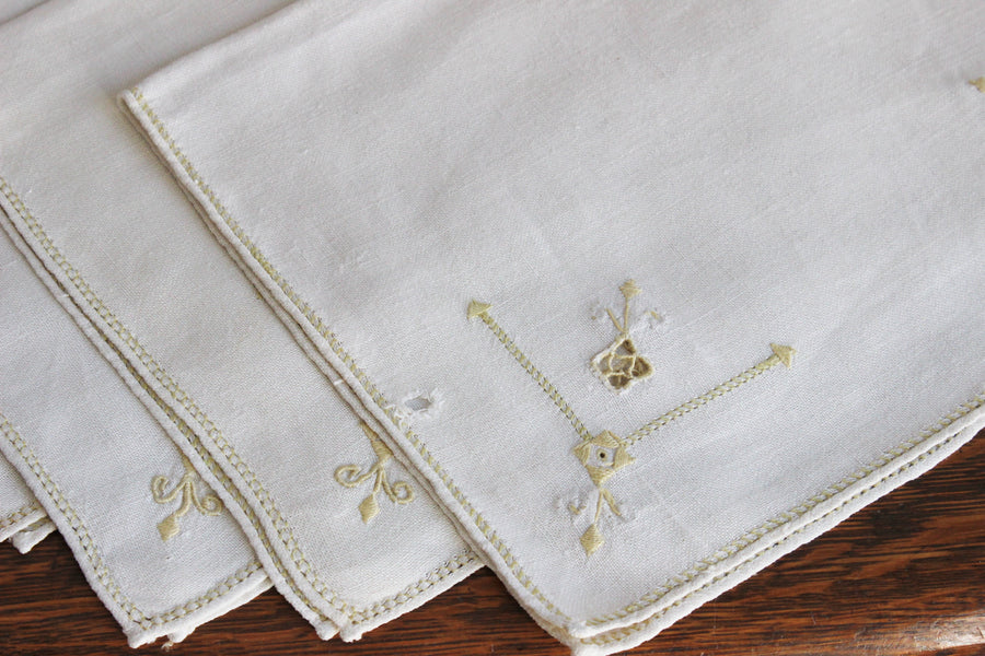 Vintage 1930s Linen Placemats, Set of Four With Gold Yellow Embroidery