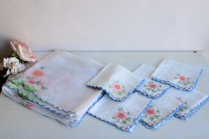 Vintage 1950s Tablecloth and 6 Napkins Set