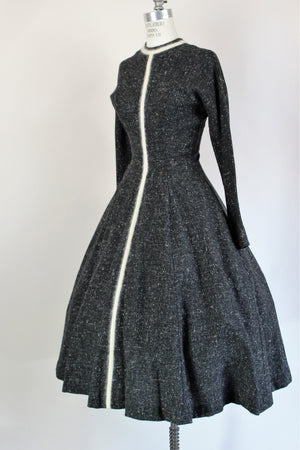 Vintage 1950s Beldon Cann New Look Gray Tweed Dress With Pockets And Angora Trim