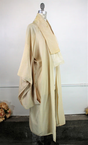 Vintage Kimono Hollywood Costume from the 1940s 1950s
