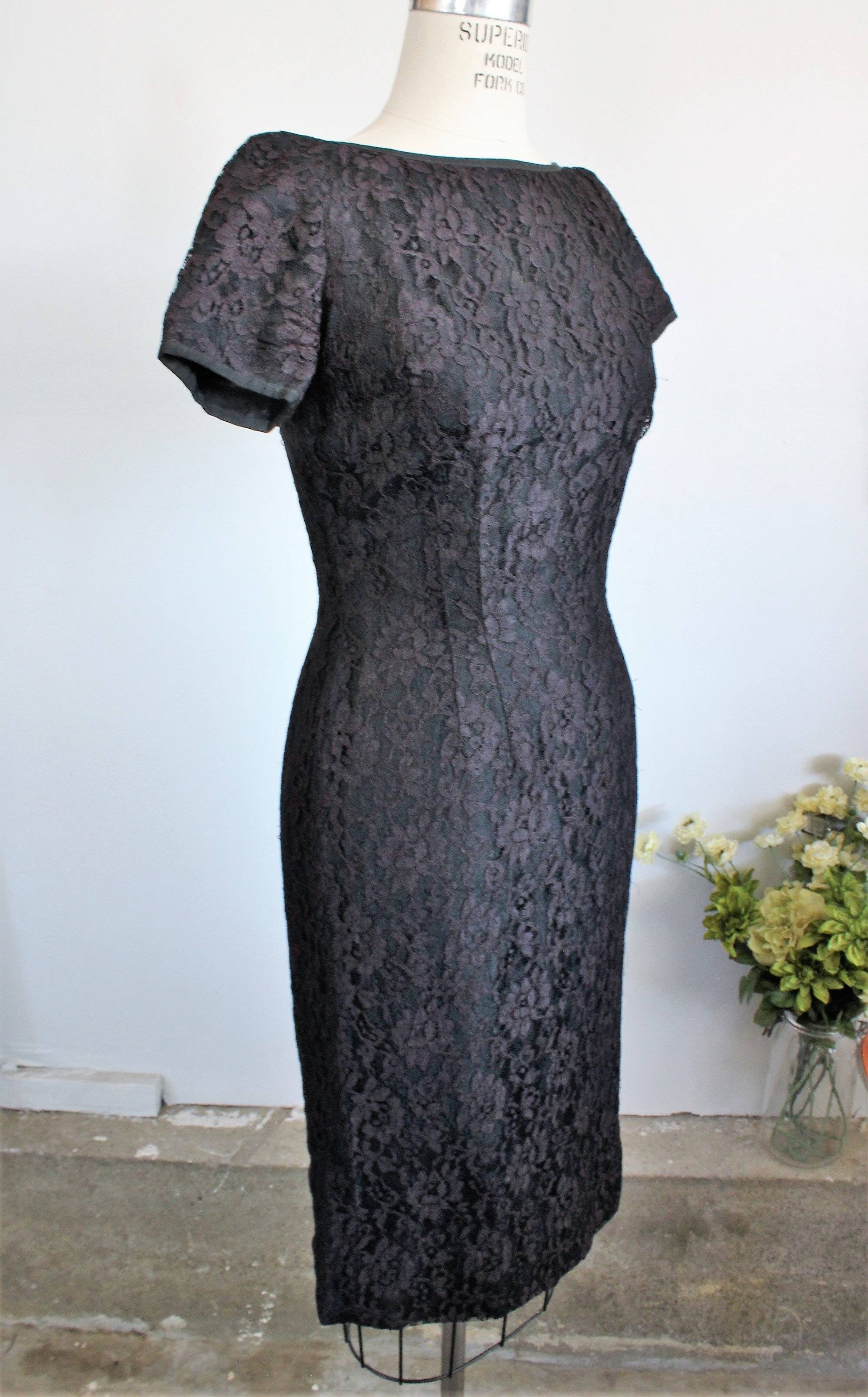 Vintage 1950s Black Lace Wiggle Dress With Cap Sleeve