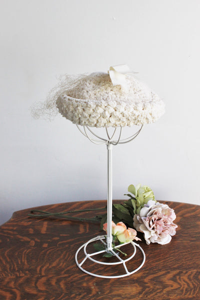 Vintage 1960s JW Robinson Ivory Chenille Knitted Halo Hat