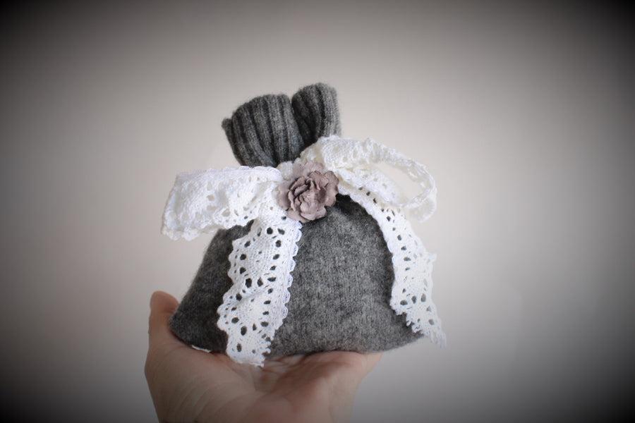 Small Gray Knit Lavender Filled Drawer Sachet
