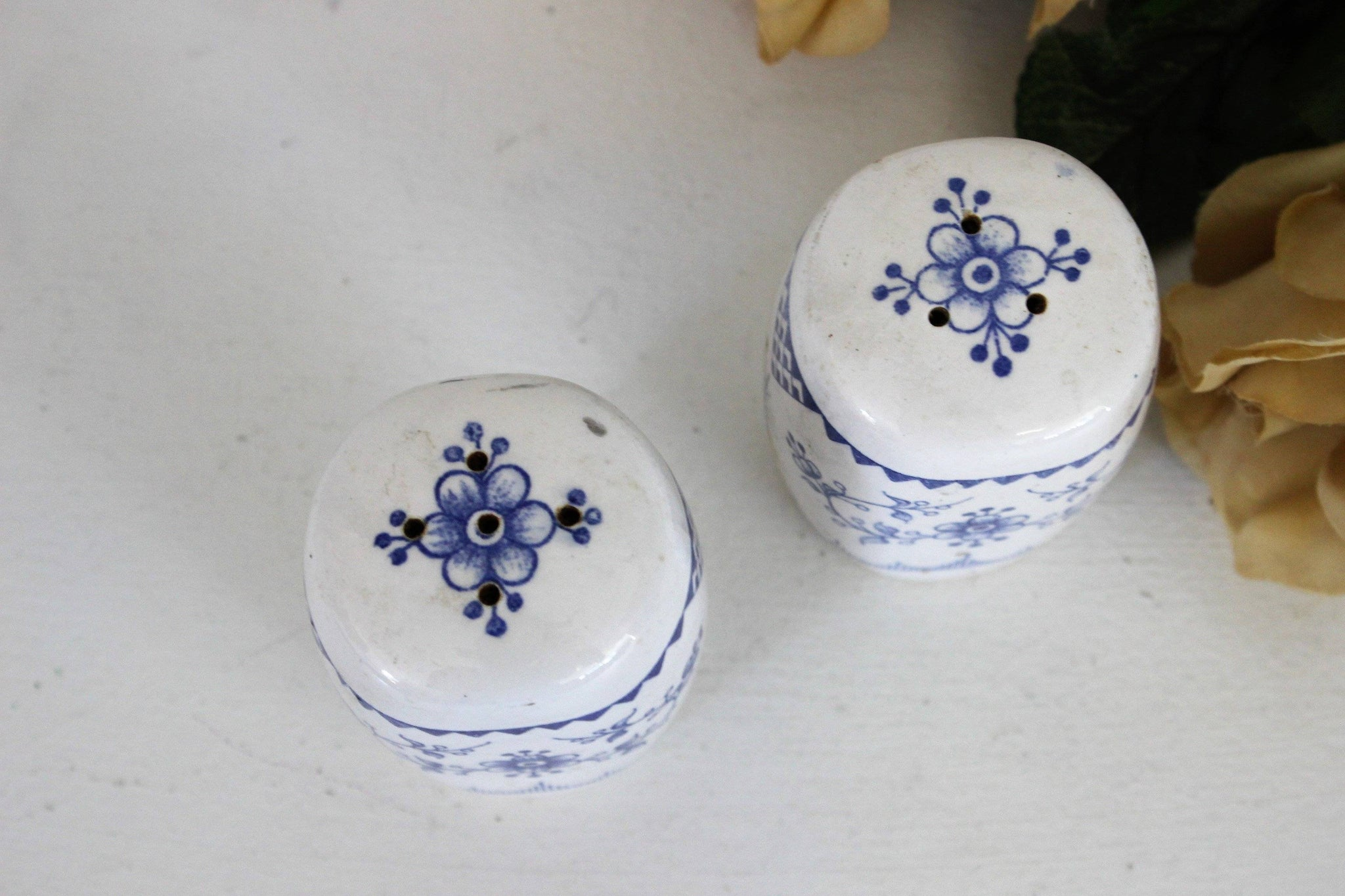 Vintage Blue And White Japanese Salt And Pepper Shaker Toadstool Farm Vintage