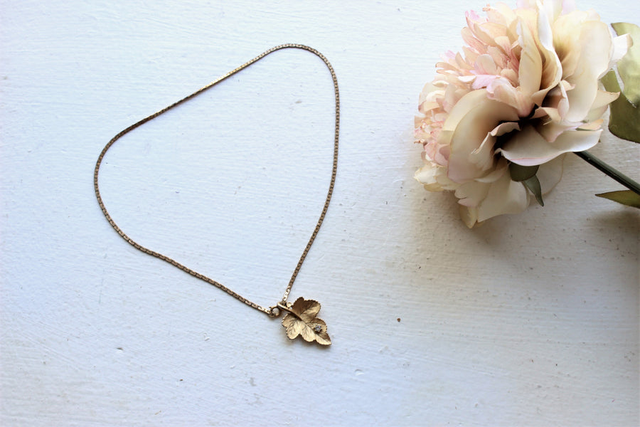 Vintage 1950s 1960s Gold Leaf Necklace