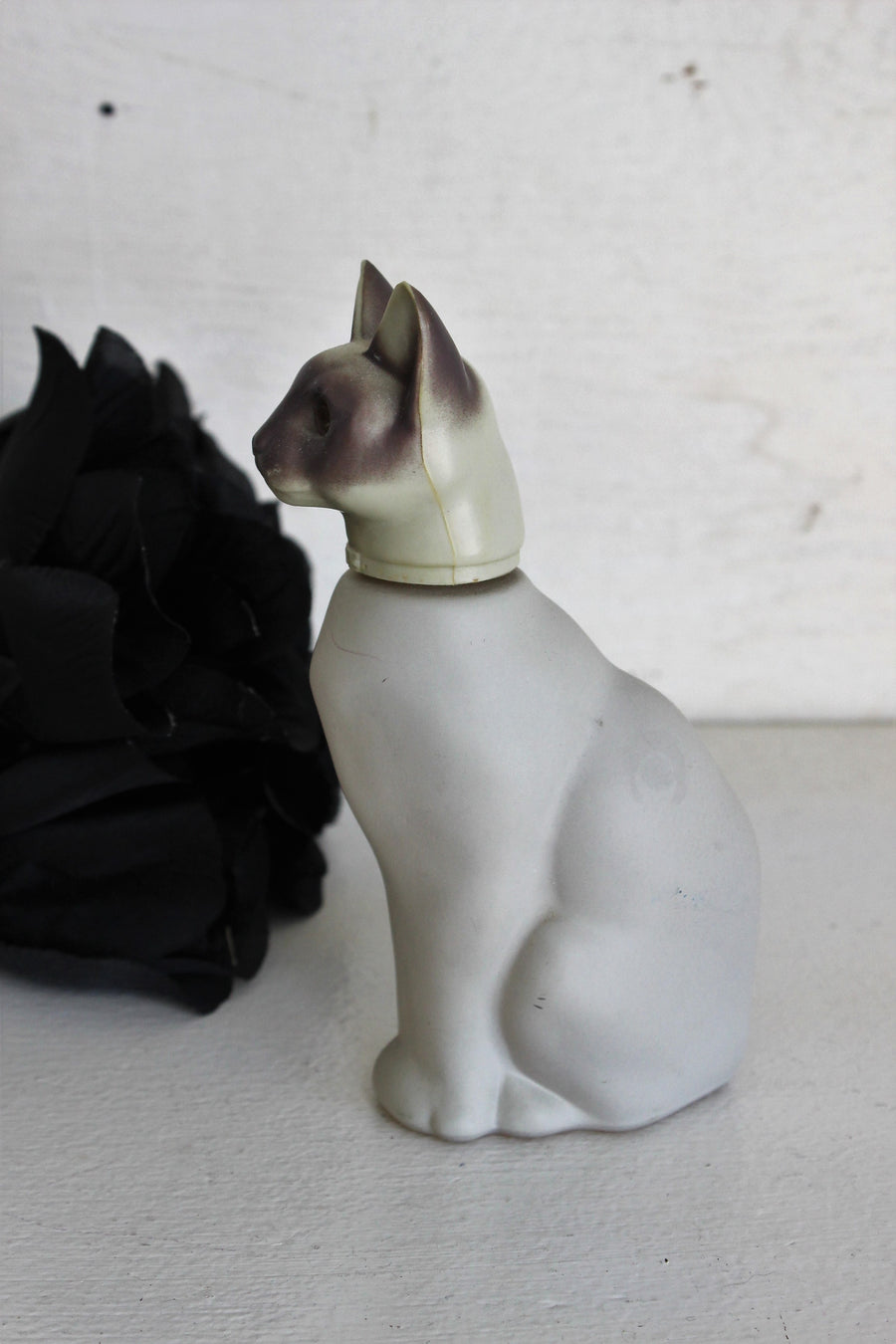 Vintage 1970s Avon Royal Siamese Cat Moonwind Perfume Bottle