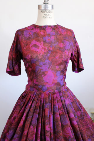 Vintage 1950s Dress / Fit And Flare