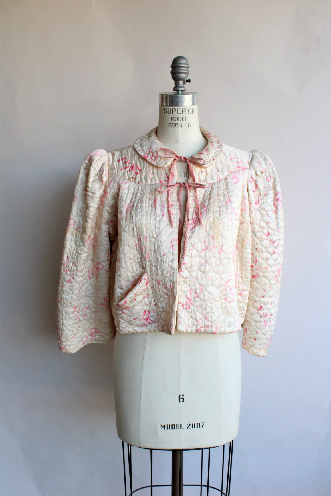 Vintage 1940s Quilted Bed Jacket