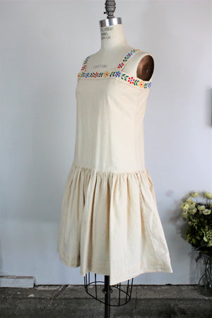 Vintage 1960s 1970s Does 1920s Dress With Embroidered Flowers