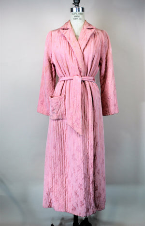 Vintage 1940s Pink Rayon Robe Wiith Pockets