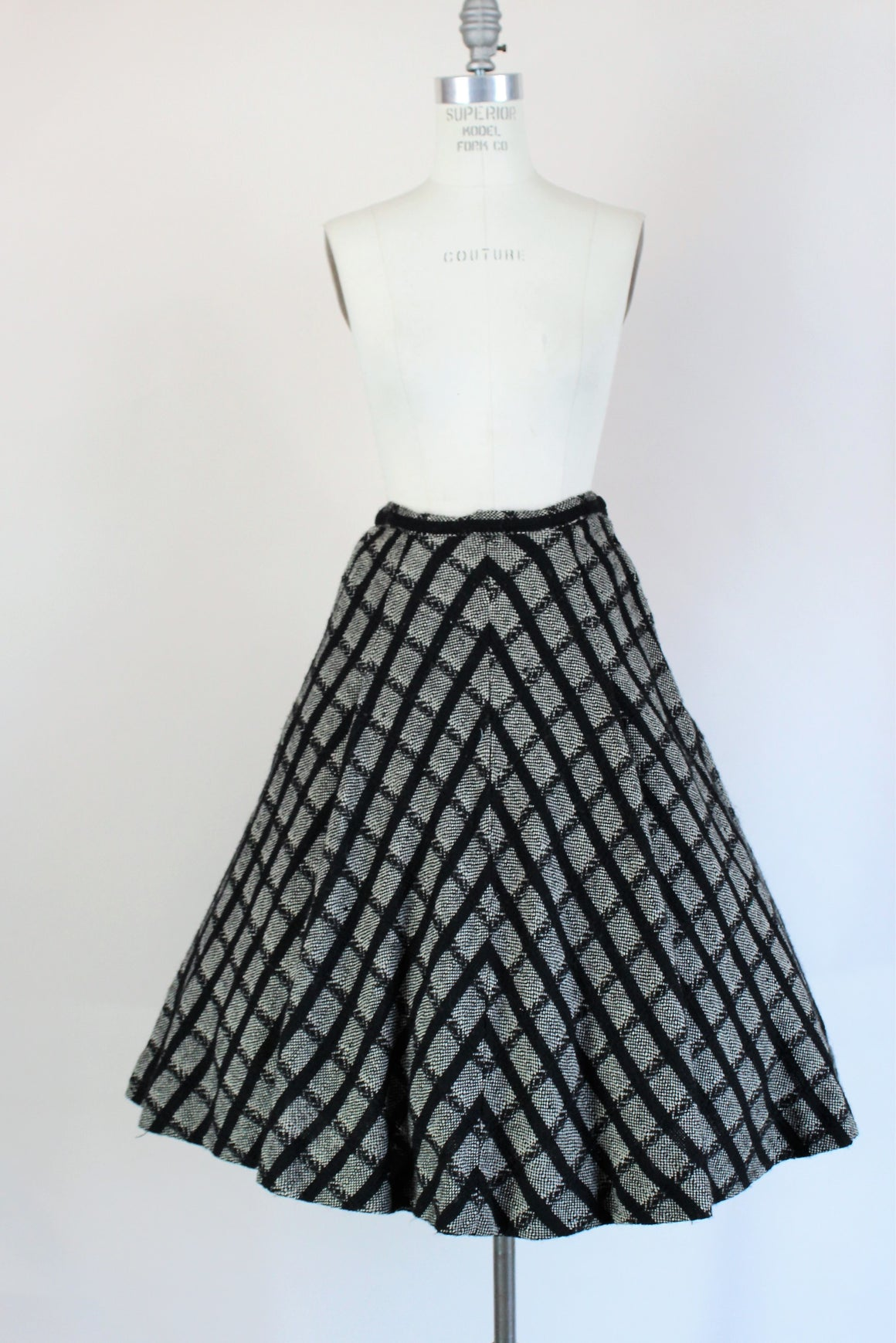 Vintage 1950s Black And White Wool Nelly De Grab Full Circle Skirt With Pocket