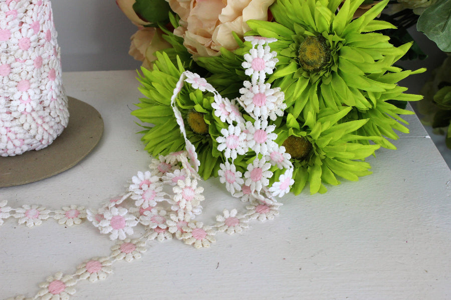 Vintage Pink and White Daisy Ribbon Trim