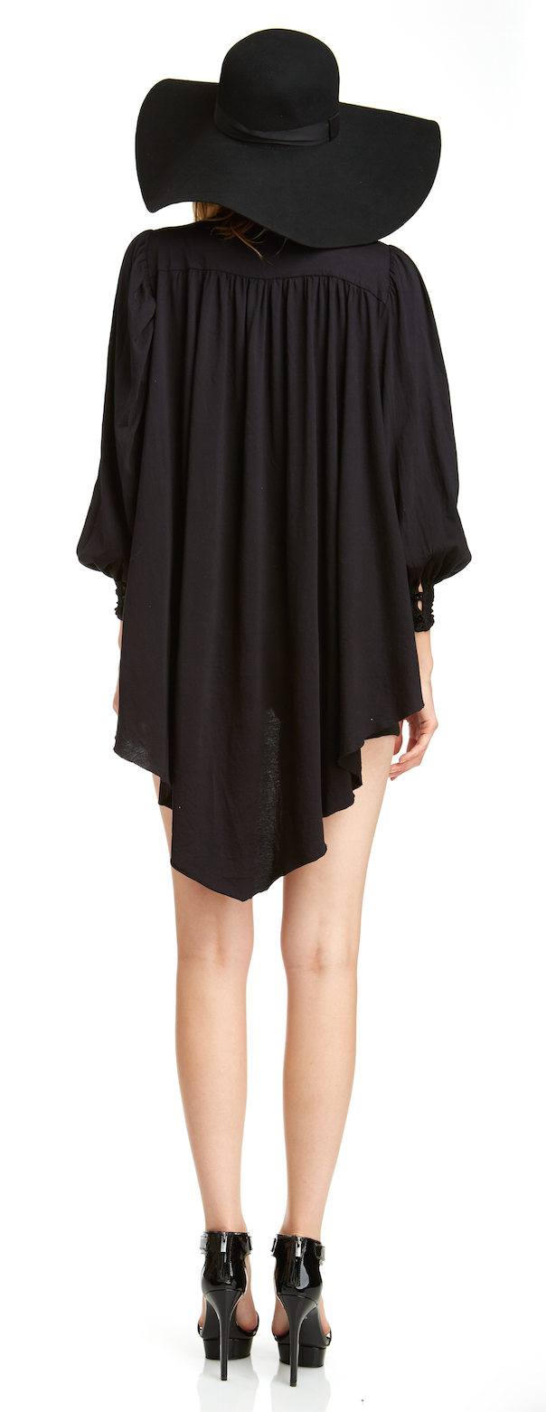 Mark and Estel / Crop Swing Keyhole Blouse / Black