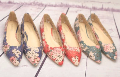 Womens Charming Design Cut Flats