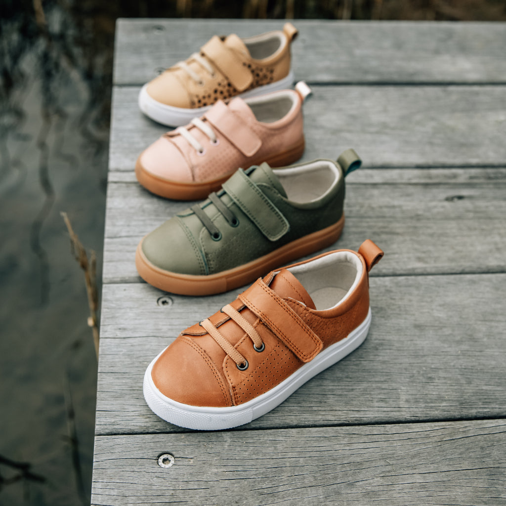 leather kids sneakers for boys and girls