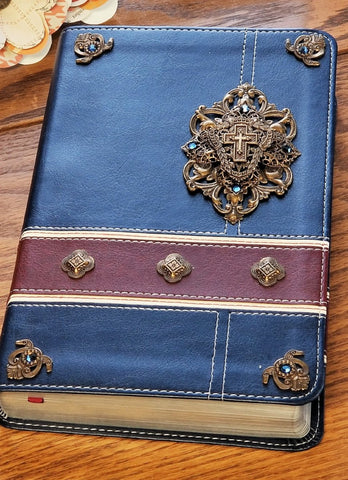 HCSB LARGE PRINT MILITARY FAMILY JEWELED BIBLE