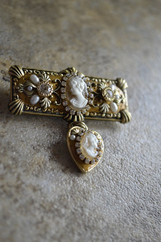 Romantic double cameo pin LAST ONE