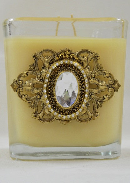 Candle - 20oz Luxurious