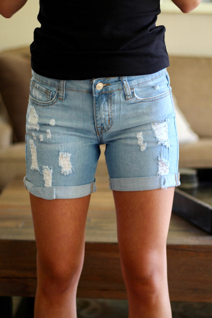 womens-distressed-shorts-light