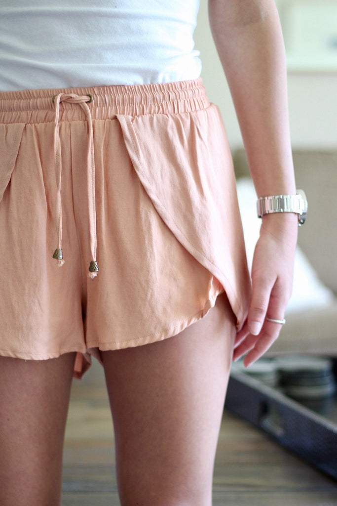 casual-shorts-salmon